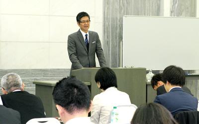 平山憲雄氏